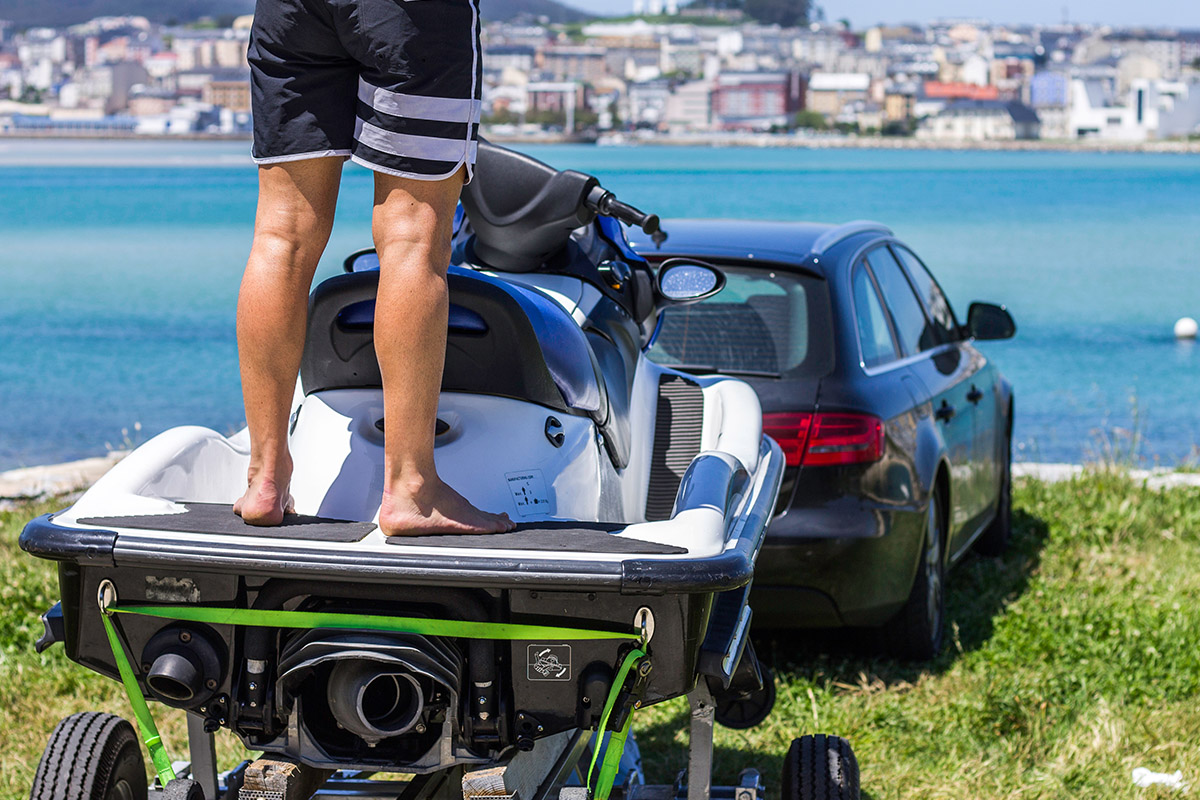 Can you tow a jet ski with your car?