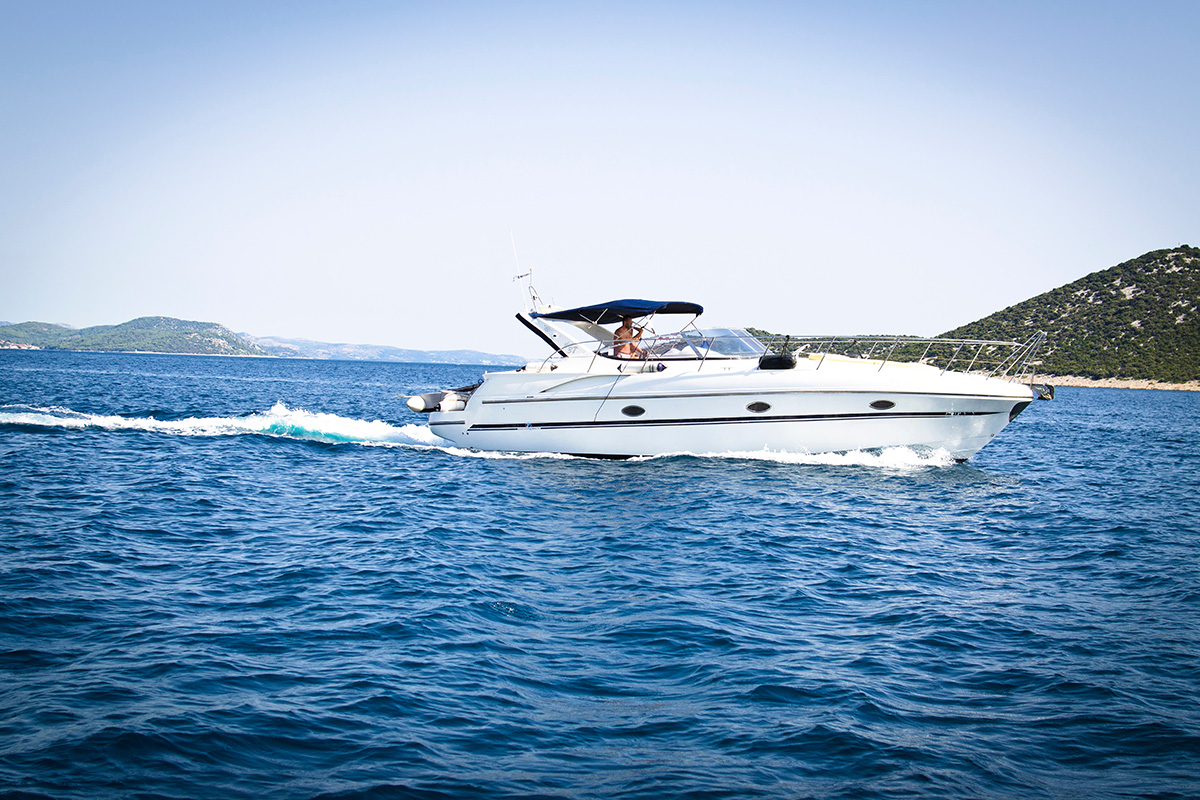 Dinghy on a boat - even a jet ski can be stored on the same place!