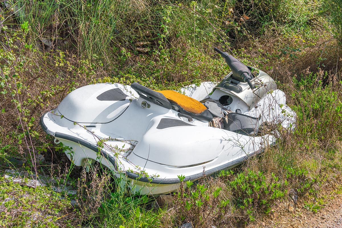 Buying a used jet ski can be risky. Take a close look at what you're buying!