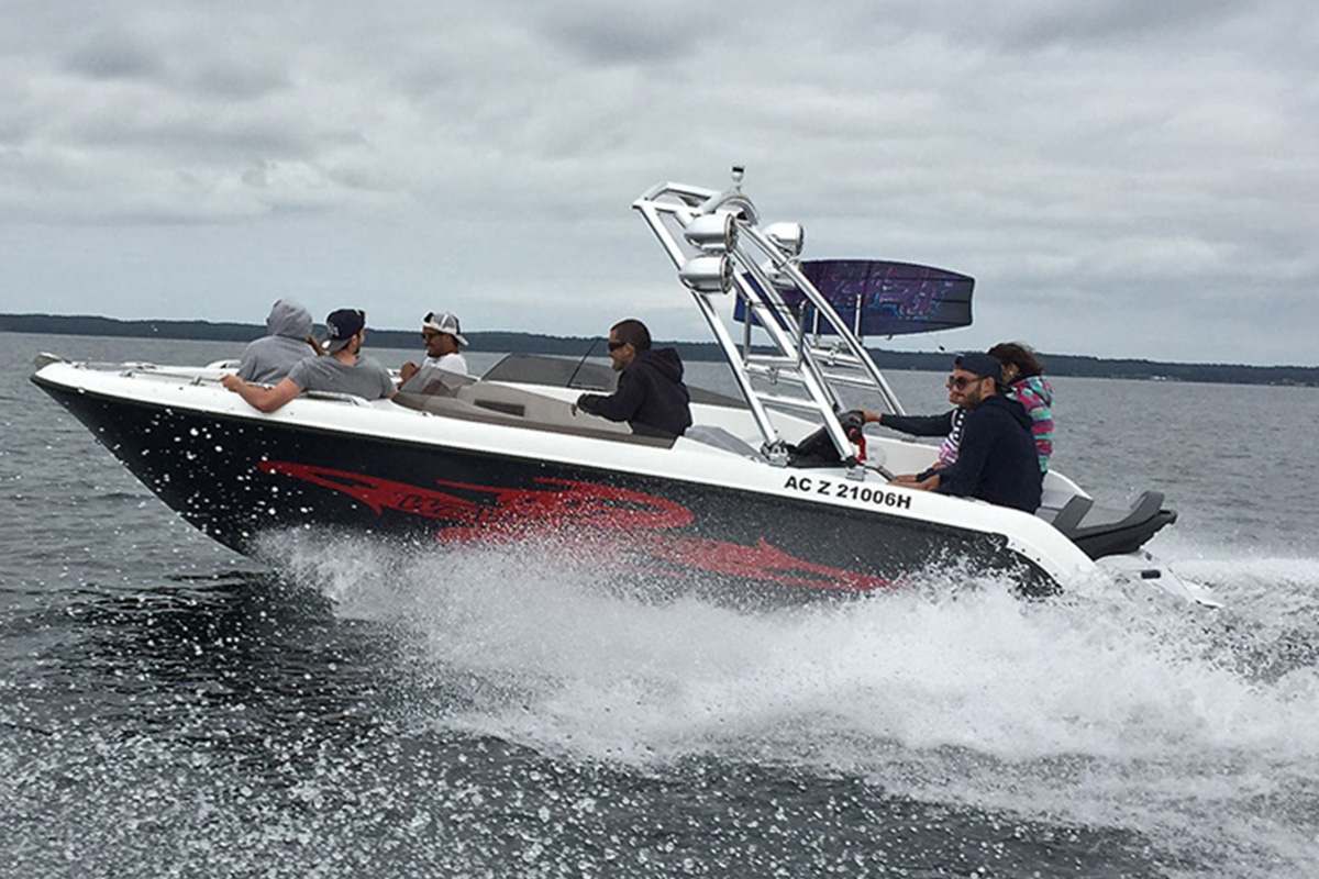 Sealver Wave Boat with wakeboard tower