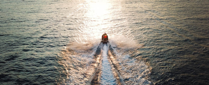 Jet ski mpg - how far can a jet ski go on one tank of gas?
